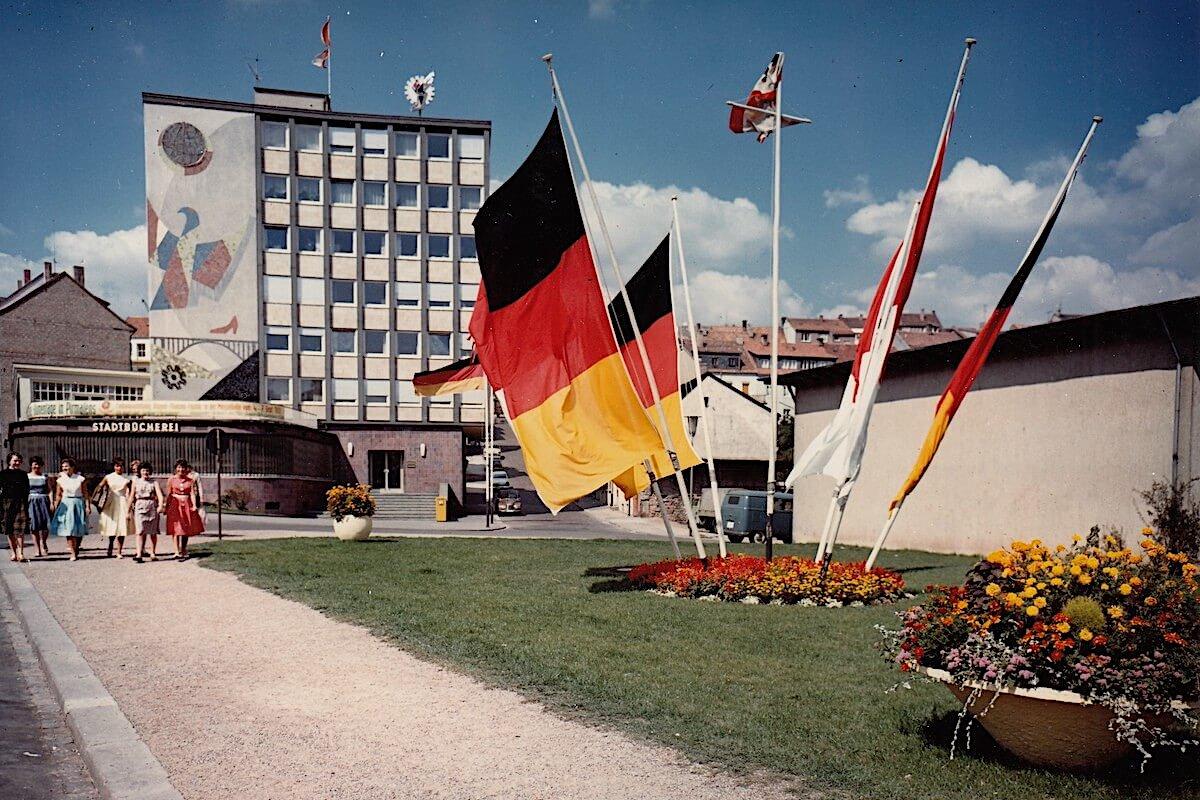 Das Pirmasenser Messehochhaus in der Dankelsbachstraße 19